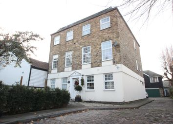 Thumbnail 3 bed town house to rent in High Road, Chigwell