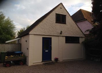 Thumbnail 1 bed detached house to rent in Station Road, Tring, Hertfordshire