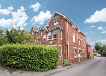 Thumbnail 1 bed flat to rent in Richmond Park Road, Bournemouth