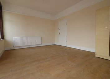 Thumbnail 5 bedroom terraced house to rent in Mayfair Avenue, Cranbrook, Ilford