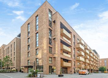 Yeoman Street, London SE8. 3 bed flat