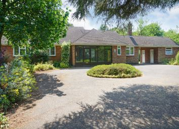 The Spinney, Winthorpe, Newark NG24. 3 bed detached bungalow