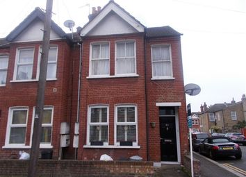 Thumbnail Maisonette to rent in Boundary Road, Colliers Wood, London