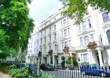 Thumbnail 2 bed flat to rent in Talbot Sqaure, London