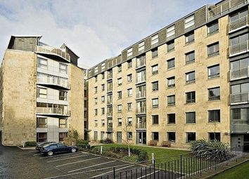 Thumbnail 3 bedroom flat to rent in East London Street, New Town, Edinburgh
