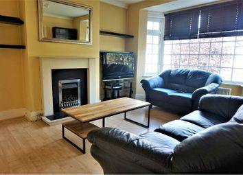 Thumbnail 3 bed flat to rent in Lodge Avenue, Romford