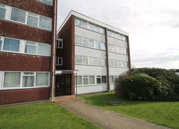 2 bed maisonette to rent in Long Green, Chigwell IG7