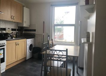 Thumbnail 5 bed flat to rent in Warwick Road, Stratford