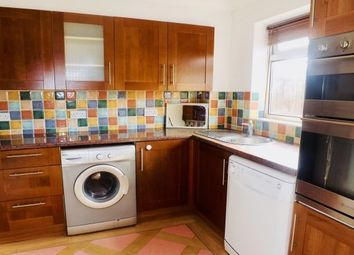 2 bed property to rent in Dallow Road, Luton LU1
