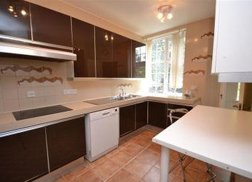 Thumbnail 3 bedroom flat to rent in Bishops Court, Great North Road, East Finchley