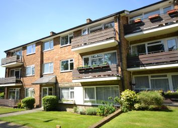 Thumbnail 2 bed flat to rent in Cedar Drive, East Finchley