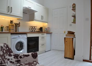 Thumbnail 1 bed flat to rent in Dyne Road, London