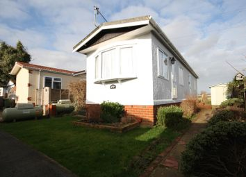 Thumbnail 2 bed mobile/park home for sale in Cambridge Lodge Park, Horley