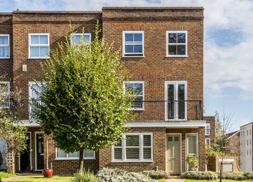 Thumbnail 4 bed property to rent in Southridge Place, London