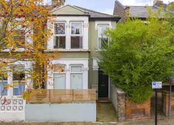 Thumbnail 1 bed flat for sale in Daubeney Road, London