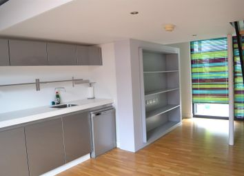 Thumbnail 2 bed property to rent in Ash Street, Salford
