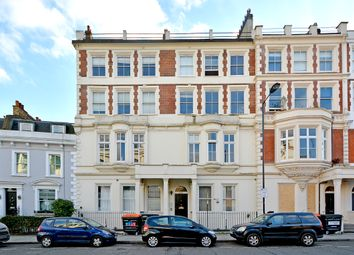 Thumbnail 1 bed flat to rent in King Edward's Road, London