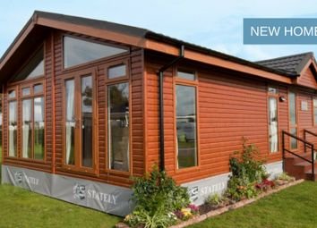 Thumbnail 2 bed mobile/park home for sale in Heather Bank Park, Neilston, Glasgow