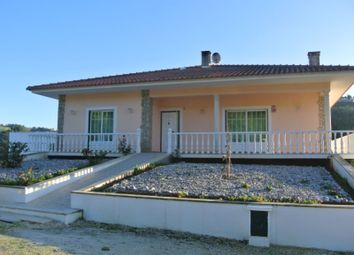 Thumbnail 3 bed detached house for sale in Alvorninha, Alvorninha, Caldas Da Rainha