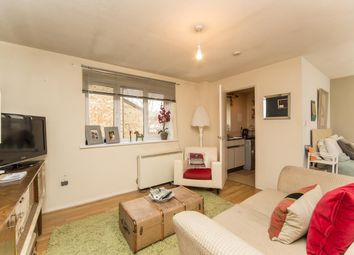 Thumbnail Studio to rent in Athlone Court, Stocksfield Road, Walthamstow