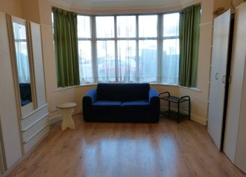 Thumbnail Property to rent in Finchley Road, Golders Green, London