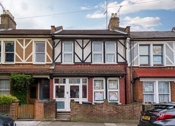 2 bed maisonette for sale in Heysham Road, London N15