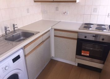 2 bed flat to rent in Surrey Street, Portsmouth PO1
