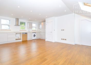 Thumbnail 2 bed flat to rent in Cavendish Avenue, Raynes Park