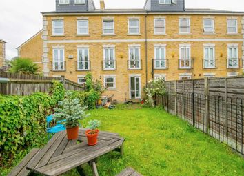 Thumbnail 5 bed town house to rent in Brunel Road, London