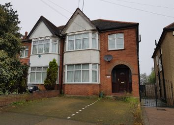 2 bed flat to rent in Hay Lane, London NW9