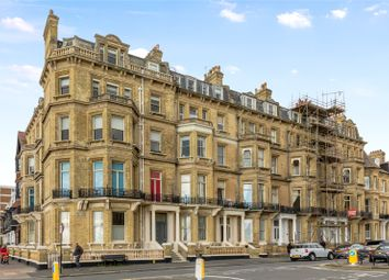 Kings Gardens, Hove, East Sussex BN3. 3 bed flat for sale