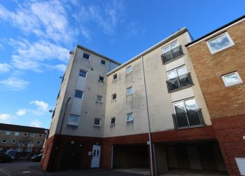 Thumbnail 2 bedroom flat for sale in Clench Street, Southampton