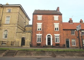 Thumbnail 4 bedroom town house to rent in North Parade, Grantham