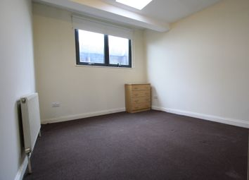 Thumbnail 3 bed flat to rent in Mitcham Rd, Tooting Broadway