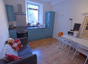 2 bed flat to rent in Spital, Old Aberdeen, Aberdeen AB24