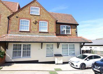 Thumbnail 2 bedroom flat to rent in Highfield Road, Bushey
