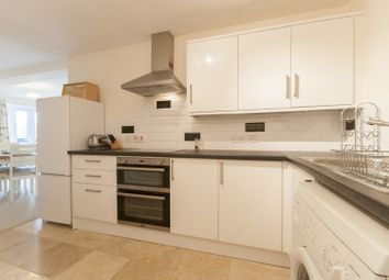 Thumbnail 2 bed flat to rent in Shirelake Close, Oxford