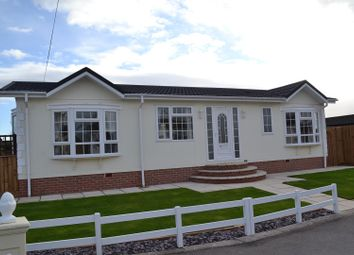 Thumbnail 2 bed mobile/park home for sale in Greenacre Park, Coton In The Elms, Swadlinocte