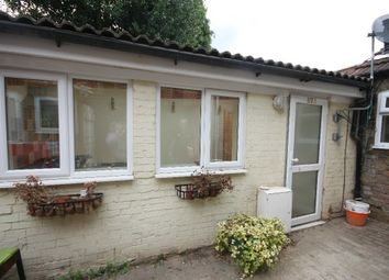Thumbnail 1 bedroom semi-detached bungalow to rent in Wellington Street, Luton