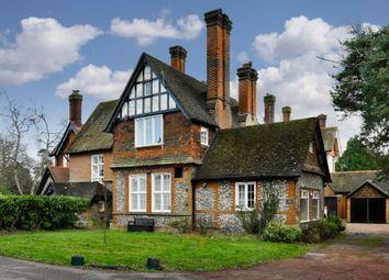 Thumbnail 3 bed flat to rent in Walton Street, Walton On The Hill, Tadworth