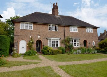 Thumbnail 2 bed flat for sale in Hill Top, Hampstead Garden Suburb, London