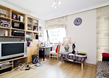 Thumbnail 1 bed flat for sale in Queens Quay, Upper Thames Street, City Of London