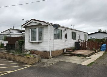 Thumbnail 2 bedroom mobile/park home for sale in Ferrers Way, St. Johns Priory, Lechlade