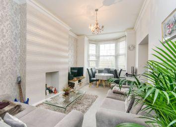 3 bed flat to rent in Kenton Road, Harrow HA1