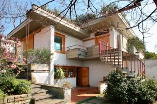 Thumbnail 6 bed villa for sale in Pistoia, Tuscany, Italy