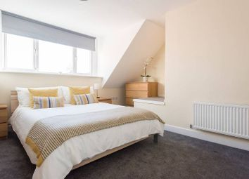 Thumbnail Room to rent in Glandford Way, Chadwell Heath-Goodmayes, Near Romford