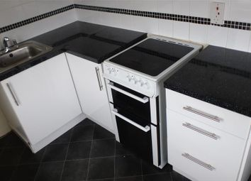 Thumbnail 2 bed flat to rent in Pinewood Road, Newton Abbot