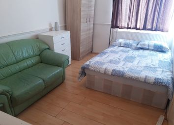 Thumbnail 2 bed shared accommodation to rent in Whitechape Road, London
