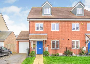 Thumbnail 3 bed town house for sale in Crawford Road, Aylesbury