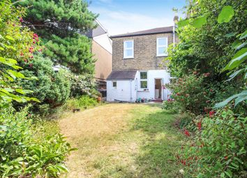 Thumbnail 3 bedroom property to rent in Lansdowne Road, Ilford